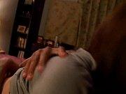 爆乳の素人女性の不倫無料jukujyo動画。       【ご主人が眠っている横で不倫セックスする】黒ブラから爆弾爆乳がチラチラ