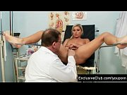 Picture Foxy blond girl Leona vagina gyno checkup