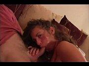 Pornstar loira gulosa Naomi Russell na chupeta