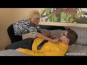 порно видео мамаша с обвисшей грудью