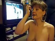Coroa filmando o esporro na cara da esposa