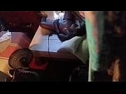 Порно где девушка вытворяет с членом и яичками что то жуткое