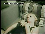 Очень глубокое горло глотает сперму фото 365-625