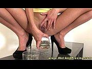 Pee fetish hottie drips pee on her busty body