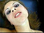 Девки показывают свои дырки в пизде и в ана