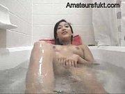 風呂オナニーを楽しみながら生配信するビッチな流出動画 - muryouero.comスマホ iPhone Android 無料エロ動画
