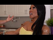 Kiki Minaj gives...