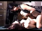 seks-zhenshini-kormyashuyu-grudyu