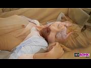 Loira ninfeta linda fazendo sexo gostoso | Porno Canalha