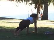 vídeo Pes da gatinha em exercicio - http://safadasdoporno.com