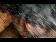 Порно видео два мужика ебут брюнетку онлайн