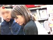 県内トップレベルのエロビデオ屋に鈴村あいりちゃんが来て、逆痴漢するという神企画wwwのサムネイル画像