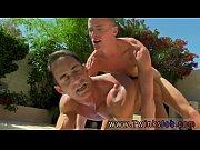 Gays maduros sexo na piscina