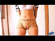 golie-zhenshin-s-golimi-siskami-video