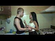 Юлия паршута нагнулась в трусиках эротика фото 100-170