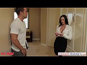 Chesty mom Kendra Lust ...