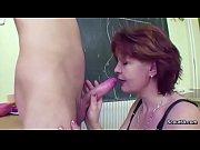 Порно с мачехами в неожиданных местах