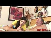 смотреть порно видео мама соблазнила спящую дочь