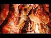 Мужчина трогает клитор и женщина страстно кончает онлайн