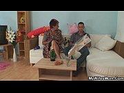 Порно видео инцест сестра и мелкий брат