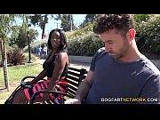 Порно видео про секс на переднем сидении машины