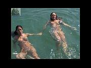 Сексуальная девушка дня в длинном платье--видео