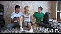 Девушка и два парня пьяная оргия
