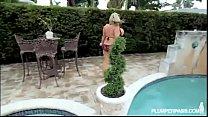 piscina la de salir de después follada es grandes tetas de Gorda