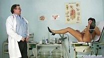 Eva matura tettona scopata dal ginecologo