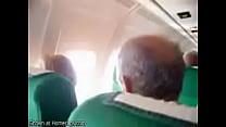 avion el en masturba se mujer Mi