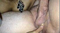 Chupando fundo com dedo no cu do macho pauzudo