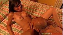 sexy... molto italiana moretta \/ scout hot Italian