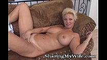 pleasure for pussy her opens hottie Mature