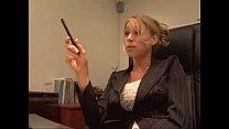 garotao na entrevista de emprego come a chefe