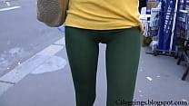 tight ass street teen walking in tights leggings vpl