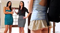 mommy india summer and nikki daniels helps step daughter hannah hartman