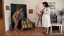Pittrice di nudo si tromba il modello