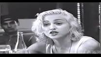 Madonna mamando