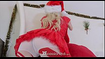 xmas on gift wet her unwraps perri piper petite - Passion-hd