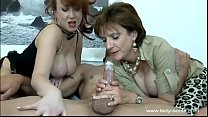 tio un a masturbando divierte se sonia Lady
