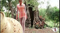 julia follando en el campo   sexy teen fucking outdoor