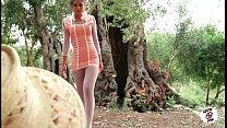 julia follando en el campo sexy teen fucking outdoor