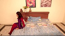 shruti bhabhi romance with servant in absense of her husban