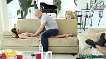 Amateur babe gets massage