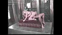 Ебут зрелых русских мам в жопу