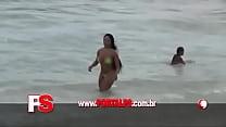 praia na peitinho paga melão Mulher