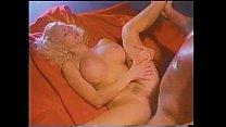 Видео большой женской большой груди