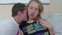 Hermano caliente seduce a su hermana que es de lo mas ingenua
