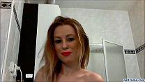 tattooed amateur slut bating pussy in her bathroom