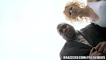 Brazzers - Hot reporter Lynna Nilsson takes it right in the pussy porn videos